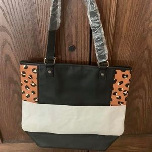 Thirty-One Color Block Tote Black Beauty Pebble